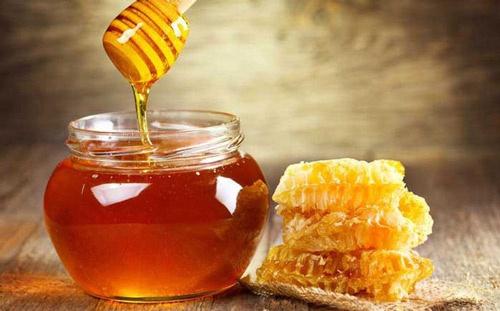 trị nám bằng mật ong nguyên chất