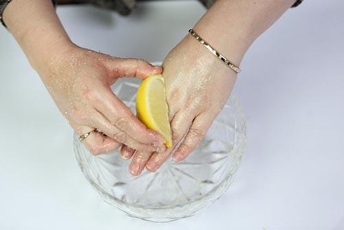 cách chữa đốm nâu trên da taycách chữa đốm nâu trên da tay