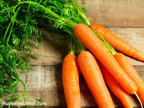 mặt nạ cà rốt trắng da